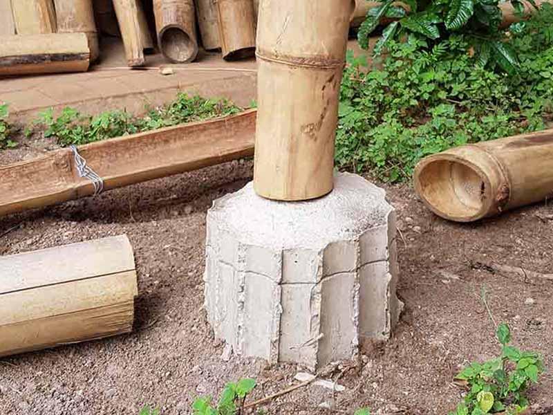 Off shutter bamboo column base